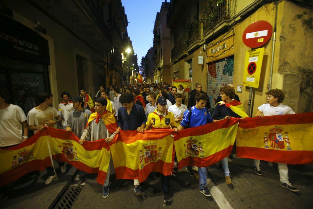catalonien, spanien, catalonien, selvstændighed, barcelona, afstemning, folkeafstemning, løsrivelse, politik, udland, spanien, madrid, anholdt, anholdelse, selvstyre, statskup, kup, embedsmænd, politikere, demonstrationer, demokrati, sammenstød, valg, retsstat, angreb, ugyldigt, løsrivelse, 90 procent, ja til farvel, løsrivelse, seperatister, protest, demonstration, valg, stemme