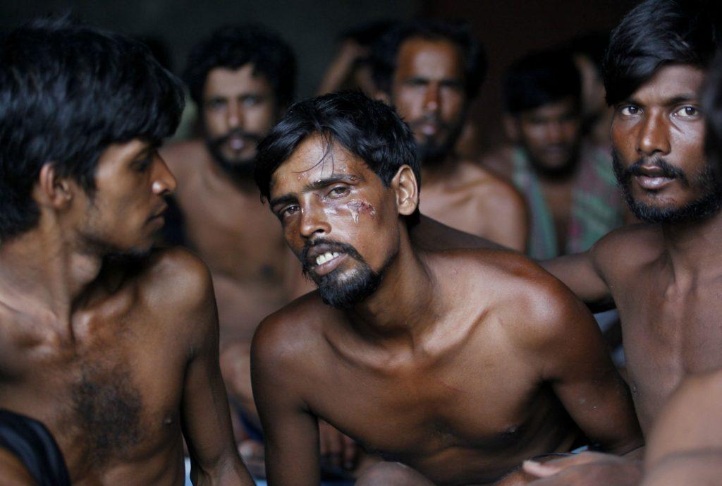 muslimsk, burma, Aung San Suu Kyi, religion, buddhisme, islam, muslimer, myanmar, bangladesh, rohingya, flygtninge, voldtægt, militær, oprør, flygtning, katastrofe, afbrænding, voldtægt, anholdelse, amnesty international, fn, etnisk udrensning, menneskerettigheder, bådflygtninge,