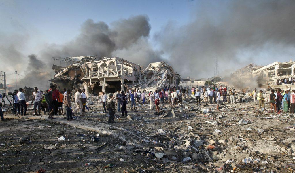 al-shabaab, somalia, mogadishu, døde, sårede, bombe, eksplosion, mogadishu, udland,