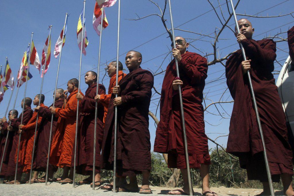 muslimsk, burma, Aung San Suu Kyi, religion, buddhisme, islam, muslimer, myanmar, bangladesh, rohingya, flygtninge, voldtægt, militær, oprør, flygtning, katastrofe, afbrænding, voldtægt, anholdelse, amnesty international, fn, etnisk udrensning, menneskerettigheder, bådflygtninge, 969-bevægelsen, munke, buddhisme, militant, nationalistisk,