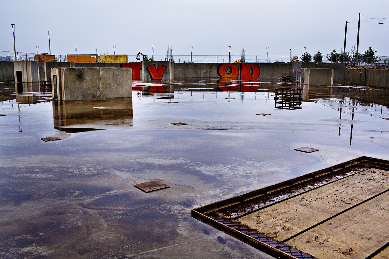 forladte steder 2013: Prestigebyggeriet Z-husets byggegrund stod tomt som et hul i jorden, da dette billede blev skudt. Det blev nemlig ramt af byggestop i 2009. I dag er man i gang med at bygge lejligheder. (Foto: /ritzau/)
