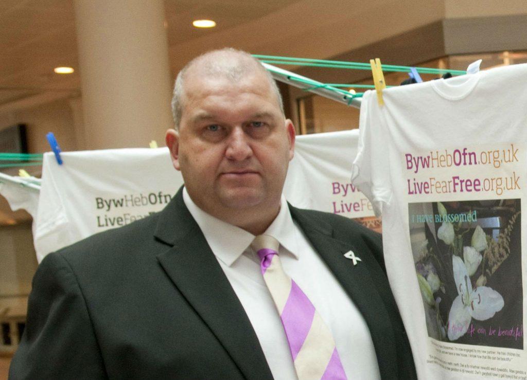 Carl Sargeant, carl sargeant, wales, walisisk, minister, politik, upassende, adfærd, undersøgelse, politik,