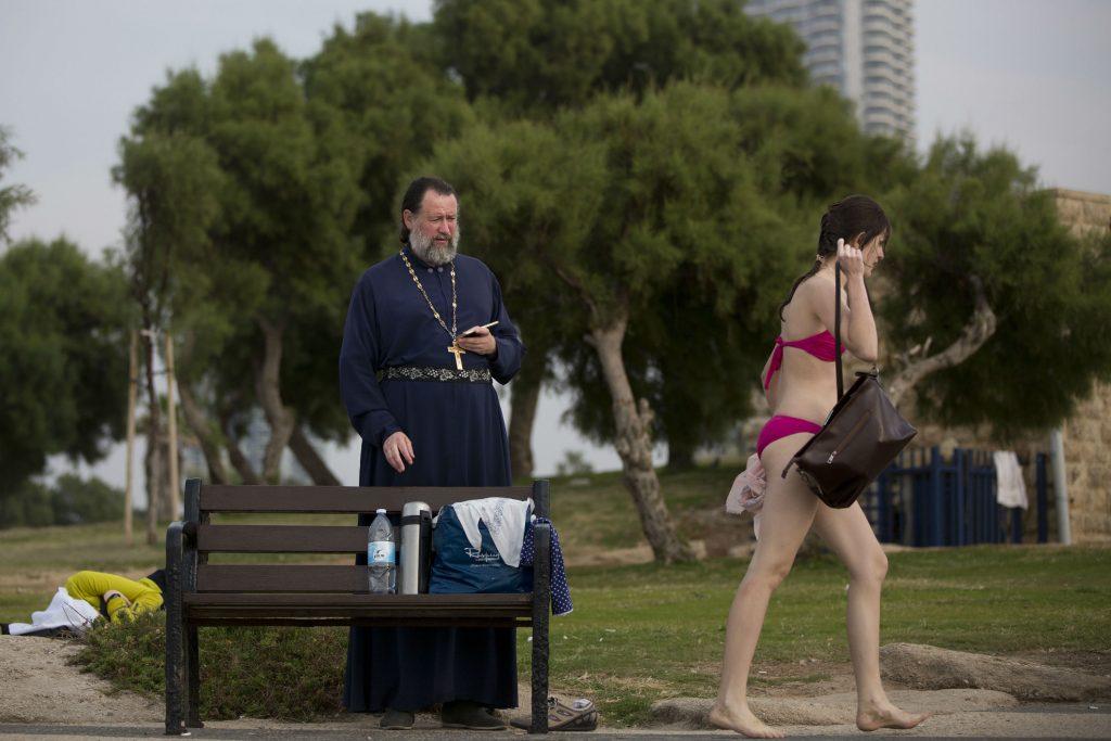 præst, russisk, rusland, religion, tel aviv, israel, badetøj, bikini, kvinde, badestrand, strand