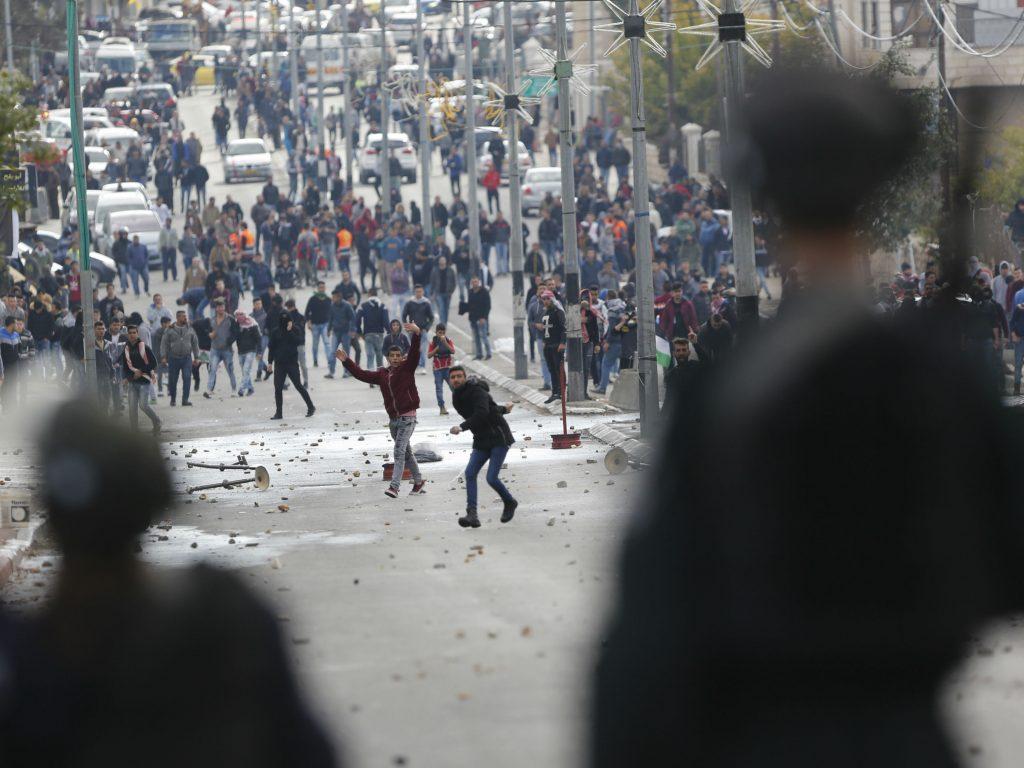 fn, sikkerhedsråd, israel, palæstina, jerusalem, usa, amerika, gaza, konflikt, mellemøsten, fred, konflikt, hellig by, demonstrationer, vold, frustration, fn, diplomati, international aftale, tel aviv, ambassade, besat, okkuperet, sammenstød, demonstration, sårede, protest, strejke, fredagsbøn