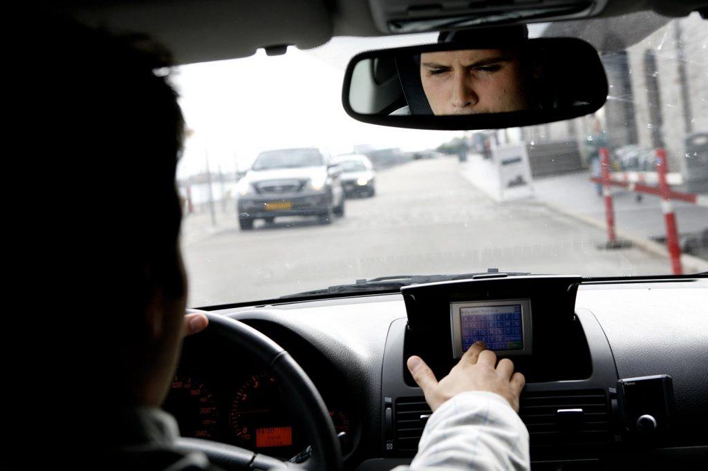 Tusindvis af 17-årige har fået kørekort med ny forsøgsordning. (Foto: /ritzau/)