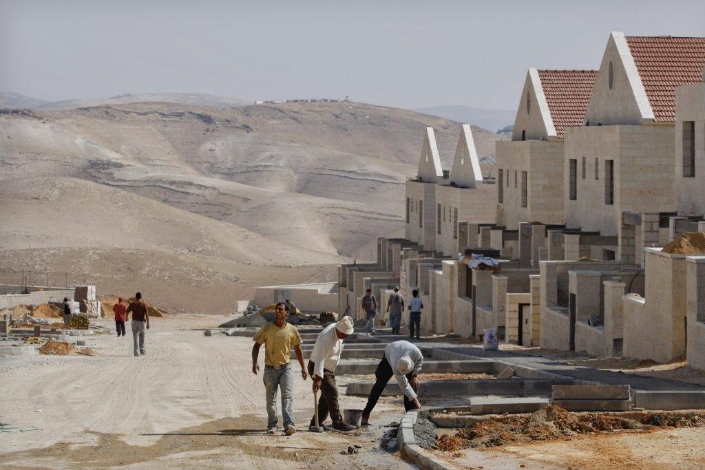 Israels transportminister presser på med en plan om at udvide Jerusalems kommende toglinje til Western Wall, hvor han vil opkalde den fremtidige station efter præsident Donald Trump. (Foto: /ritzau/)
