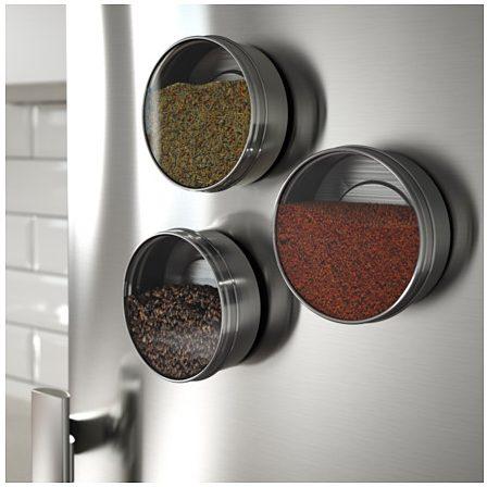 krydderi, krydderibeholder, magnetisk, opbevaring af krydderier, orden, rod, ikea, billigt, nem, indretning, design, orden i dine krydderier