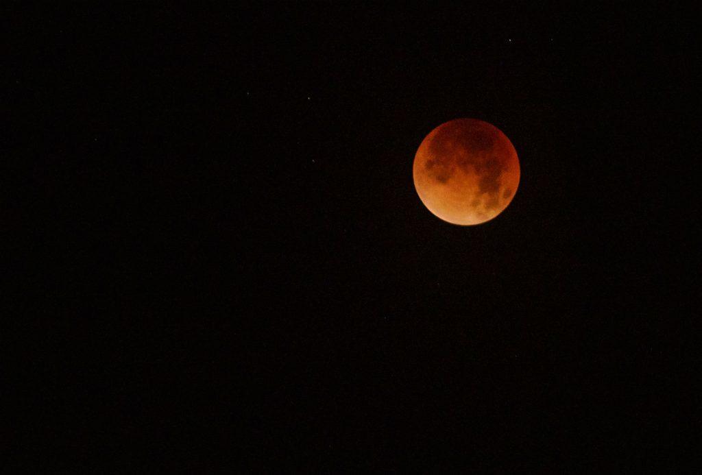 blodmåne, måne, stjerne, sol, planeter, blå måne, naturfænomener,