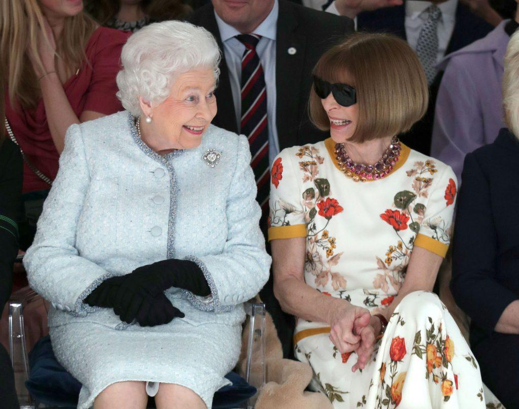 dronning elizabeth, anna wintour, vogue, mode, modeshow, første gang