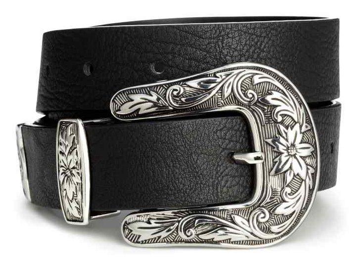 westen, western stilen er tilbage, western stilen, stil, mode, fashion, tøj, sommer, skjorte, shorts, nederdel, solbriller, læder, nitter, cowboy, cowboy tøj, cowboy stilen,