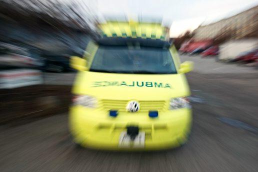 ambulance, akut, akuttelefonen, 1813, sygdom, tal, dødsfald