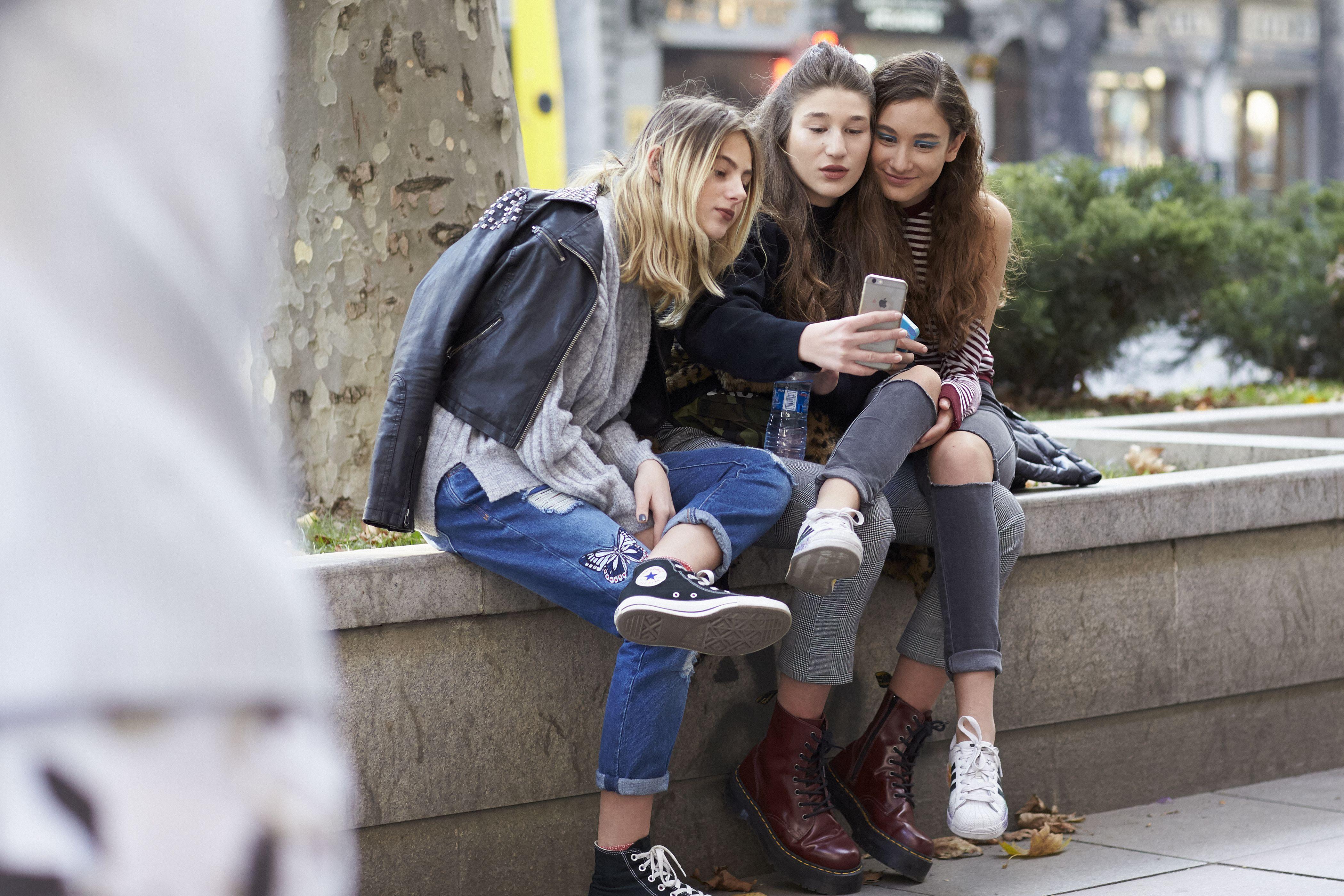 mobil, mobiltelefoni, afhængighed, vaner, venner, venskaber, liv