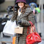 Leighton Meester shopper med en masse tasker. Scene fra Gossip Girl (Foto: All Over)