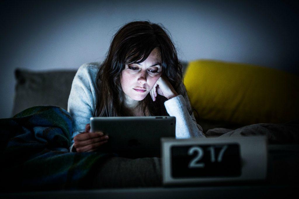 samfund, sygdom, Afbrudt søvn, søvn, livskvaliteten, dårlig søvn, nattisseri, unge, gamle, ældre, miljø, sov godt, guide, råd, danmark, dårlig, forskning, mental, livskvalitet, kroppen,