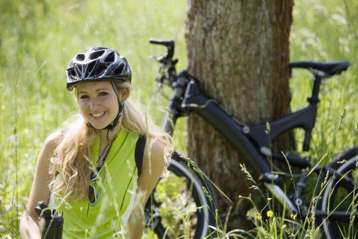 cykelhjelm, hjelm, sikker trafik, trafik, cyklist, cykel, hovedet, hjernen, beskyttelse, sikkerhed,