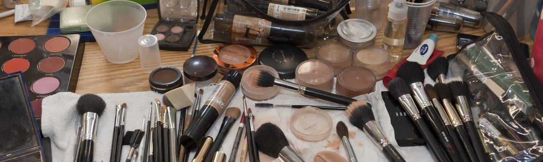 bakterier, makeup, sminkebord, rengøring, hygiejne, makeupbord