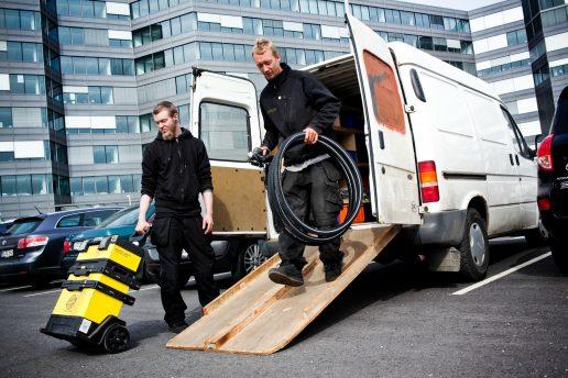 service, branche, dansk erhverv, pligter, arbejdstid, fritid, arbejde, frisør, cykelsmed, pakker, skrædder