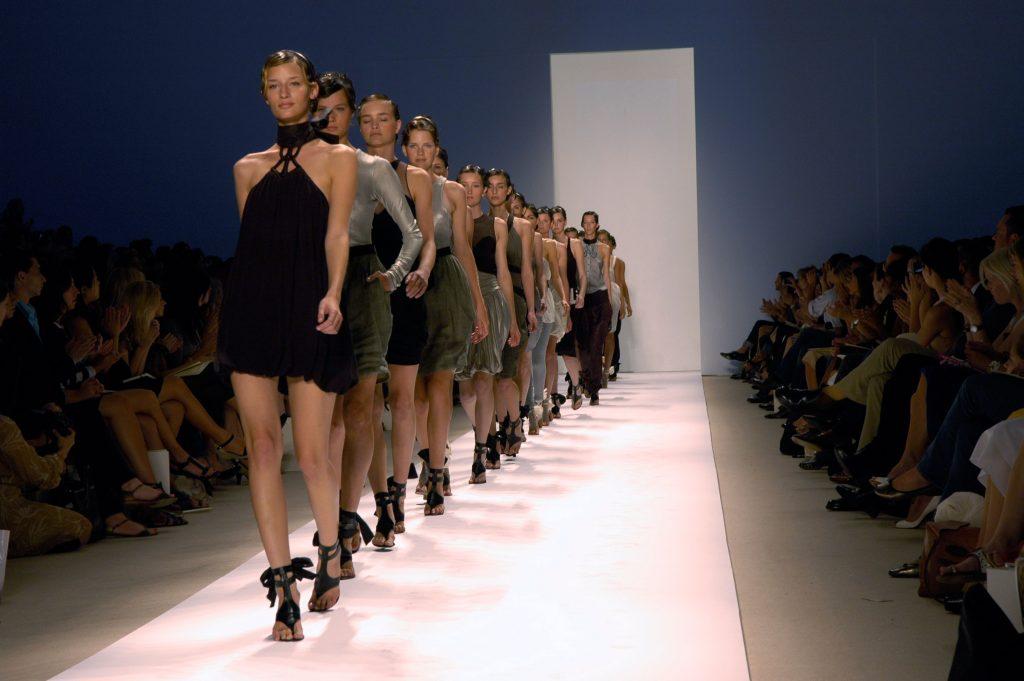 modeller, frankrig, modelbureau, bøde, fængselsstraf, tynde modeller, bmi, spiseforstyrrelse,