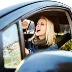 kvinder, musik, kørsel, bil, biler, humør, sang, skråle, teknik, radio,