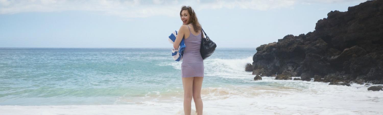 kvinde på stranden, strandtaske, vandkanten, hav, vand, strand, havet, vandet, abder, sopper.
