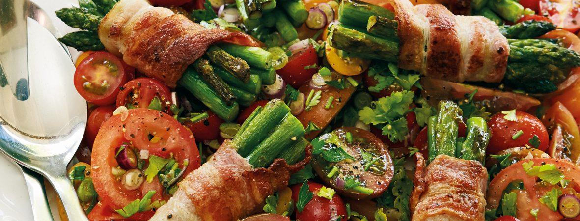 tomatsalat, bacon-asparges-pakker, opskrift, aftensmad
