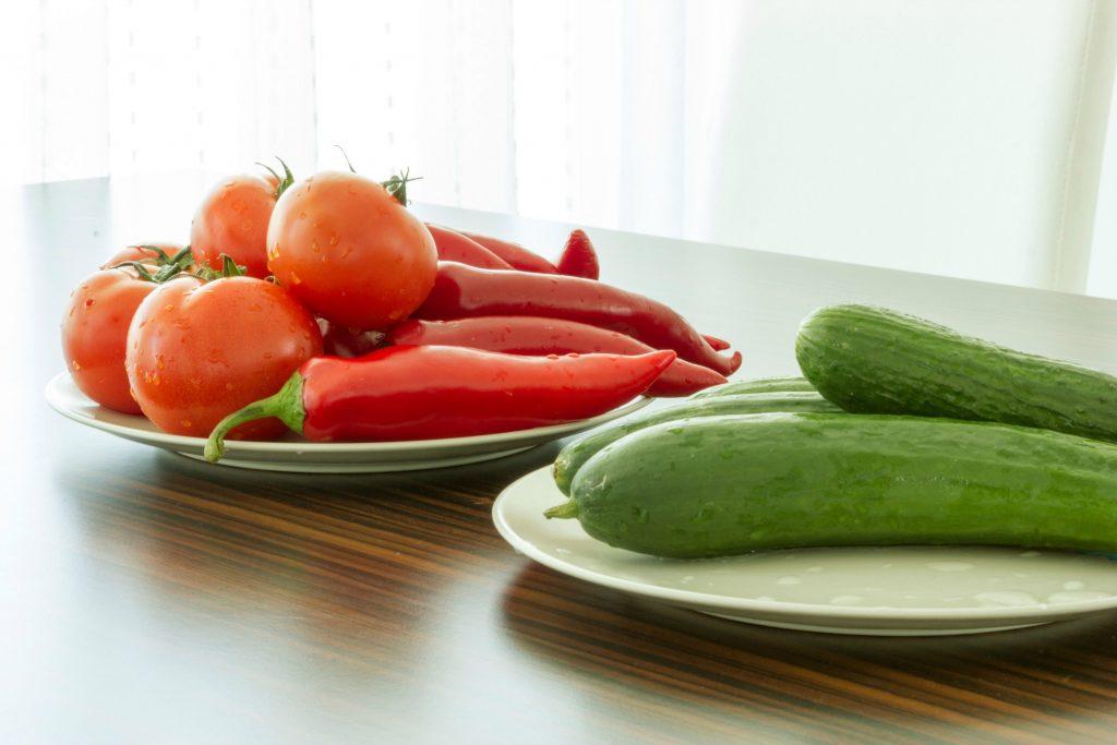 køleskabet, køleskab, madvarer, kartofler, løg, hvidløg, tomat, agurk, frugt, grøntsager, mad, opbevaring, køleskab, fødevarer, næring, kost, diæt, bananer, tomat, agurk, frugt, citrusfrugt, meloner