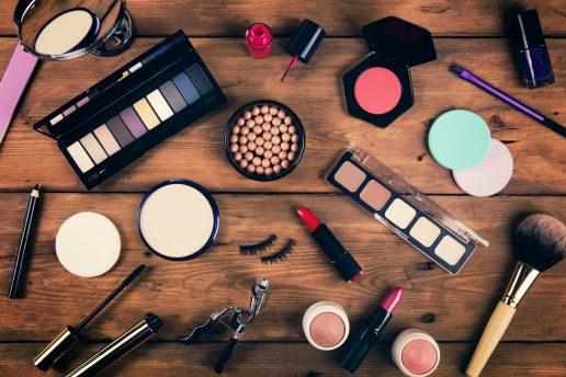 makeup, makeupbord, makeupsamling, falske øjenvipper
