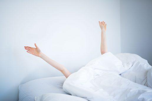 kvinde, seng, dyne, sove længe