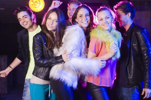 bytur, byen, fest, druk, piger, girls night out, sjov, ballade,