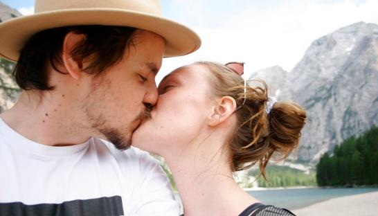 par, kærlighed, forhold, kærester, kys, tinder