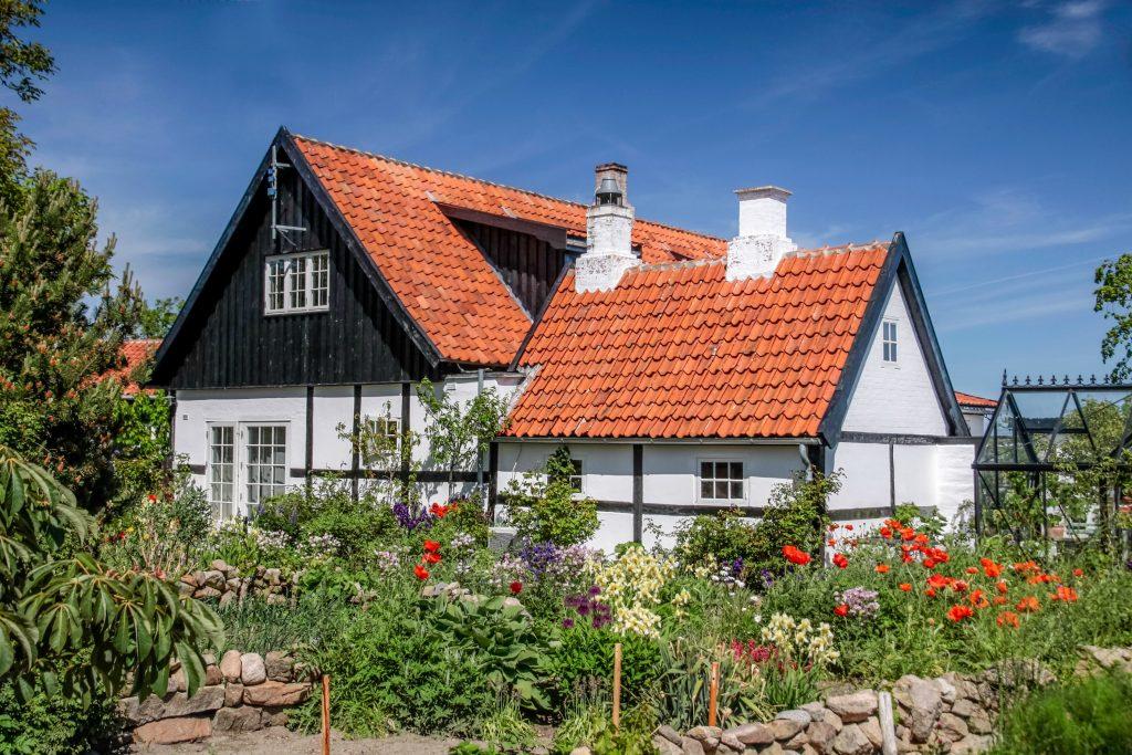 bolig, boligkøb, grundskyld, ejendomsskat, energimærket, energieffektivitet, energi, hus, rækkehus, lejlighed, bolig, boligkøb, førstegangskøbere, banken, penge, økonomi, sammenlign, prissammenligning, priser, kommuner, par, flytte sammen, bo, bopæl, nordjylland, nordsjælland, midtjylland, syddanmark