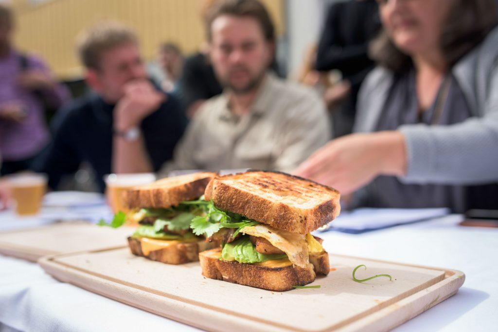 danmarksmesterskaberne i toast, 2017, toast, danmarks bedste, danmark, mad, morgenmad, frokost, junk, junkfood, thomas bachmann, barburrito, vinder, opskrift, mad,