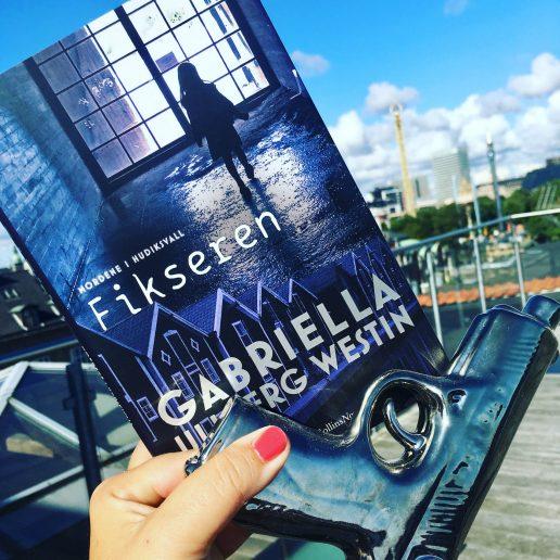Boganmeldelse Fikseren af Gabriella Ullberg Westin Harpercollins Nordic