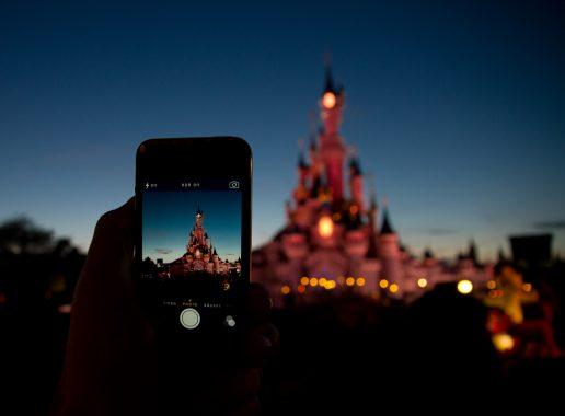 Mange mareridt blev virkelighed, da Disneyland blev til Disneyland after dark. (Foto: karburator.eu på Visual Hunt)