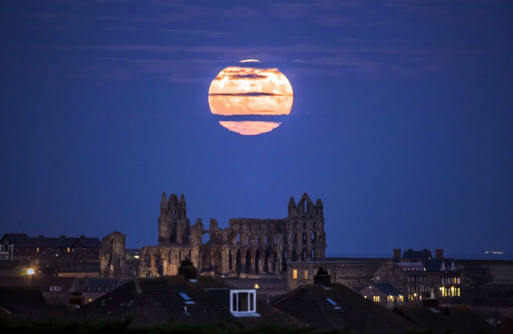 supermåne, måne, fuldmåne, myanmar, usa, buffalo, england, planet, jorden,