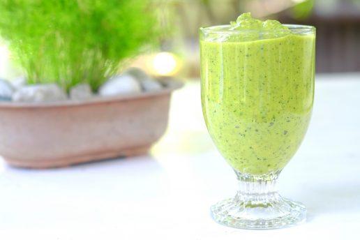 moringapulver, moringa, smoothie, sund, sundhed, sund krop, grønt, grøntsager, vitaminer, mineraler, kroppen, sundt liv, opskrift