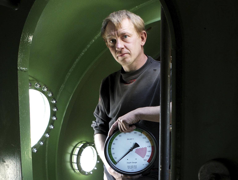 Opfinderen Peter Madsen, også kaldet Raket-Madsen poserer i en ubåd. (Foto: Ritzau Scanpix)