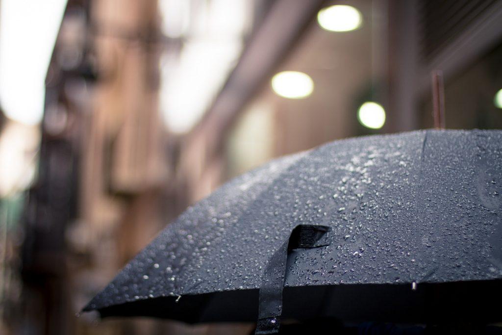 Paraply, regnvejr, regndråber, Argumenter for at undgå træning