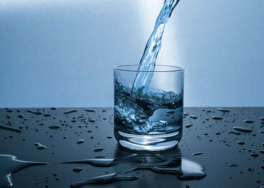 raw water, råt vand, ubehandlet vand, vand, h2o, ubehandlet, ufiltreret, urenset, urent, bakterier, sygdomme, smittefare, smitte, risiko, sundhed, kroppen, afføring, forgiftning, pesticider,