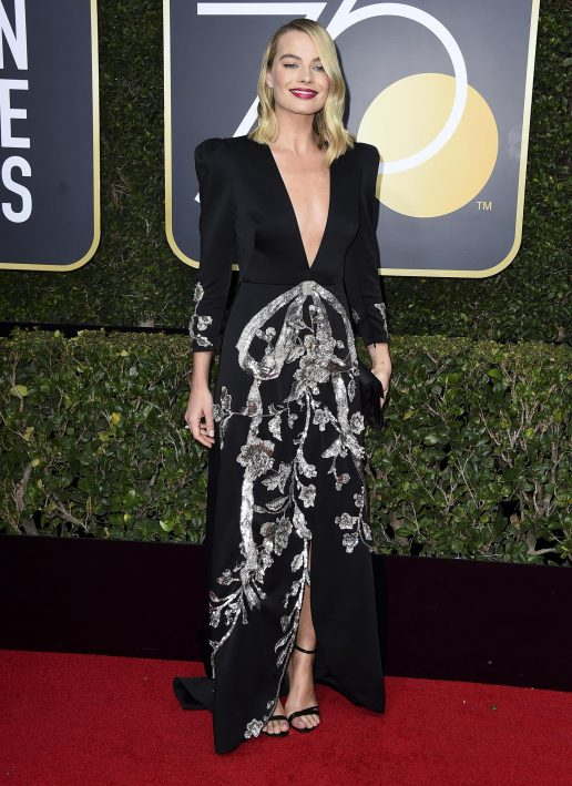 The Golden Globes 2018, Margot Robbies, Margot Robbie, frisure, hår, styling, kendte, golden globe, rød løber, margot, moroccanoil, Bryce Scarlett