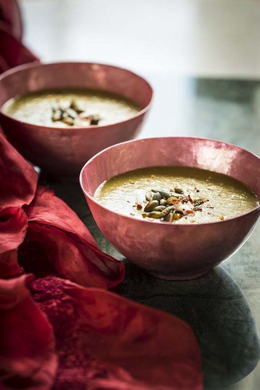 Spinat- og grønkålssuppe køkkenkarma