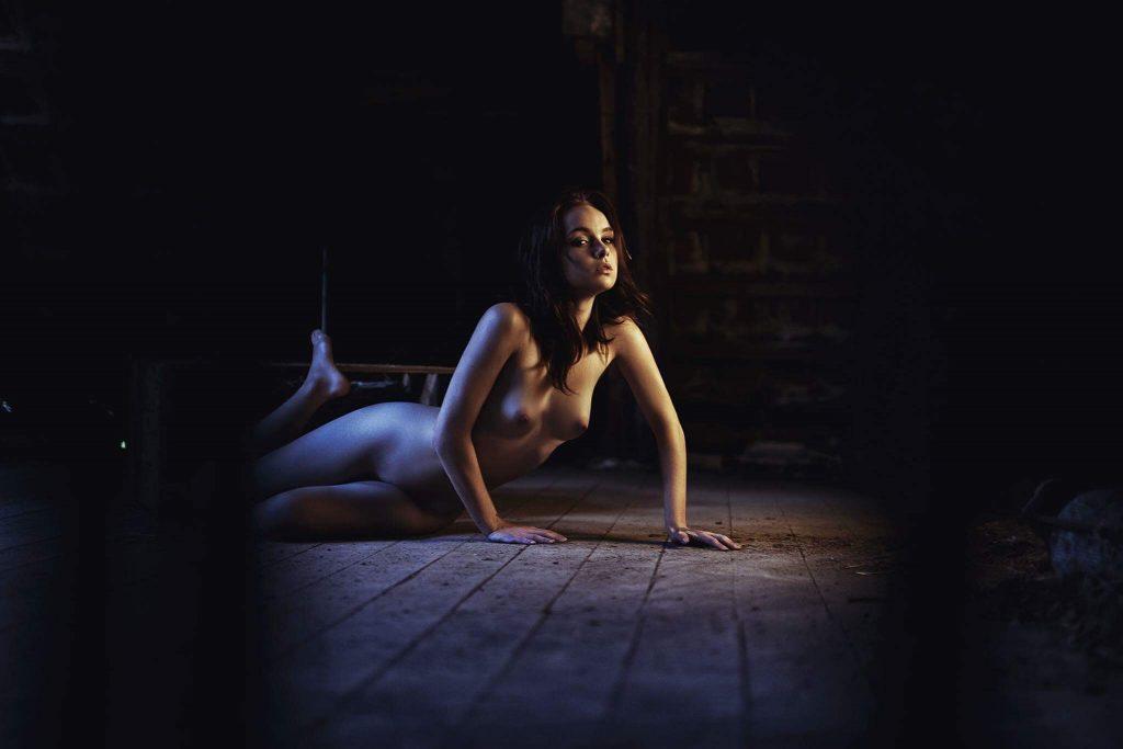 freja rasmussen nøgenmodel nude art billeder free the nipple nik skjøth