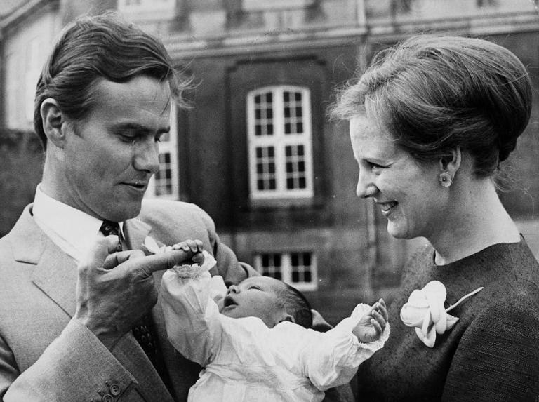 prins henrik, prinsgemalen, dronning margrethe, sygdom, død, liv, kronprins frederik, prins joachim, ægteskab, fødsel, frankrig, franskmand, forhold