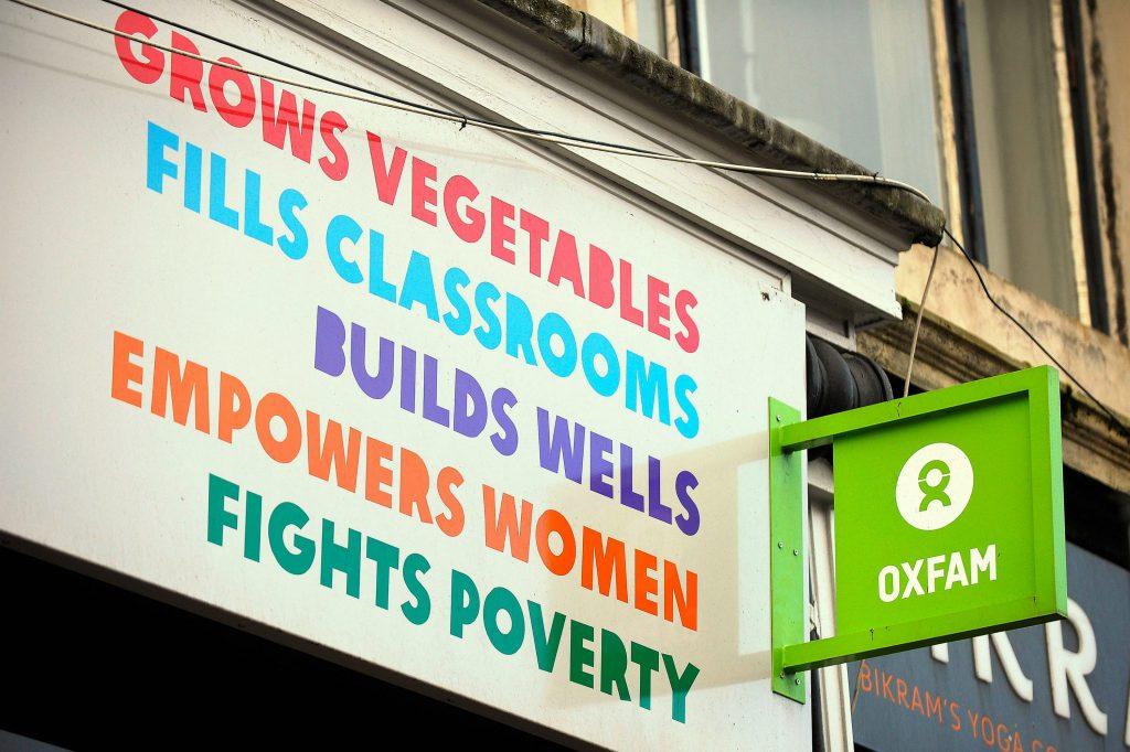 oxfam, nødhjælpsarbejde, nødhjælpsorganisation, undersøgelse, seksuelt misbrug, prostitution, sex, køb, penge, ansvar,