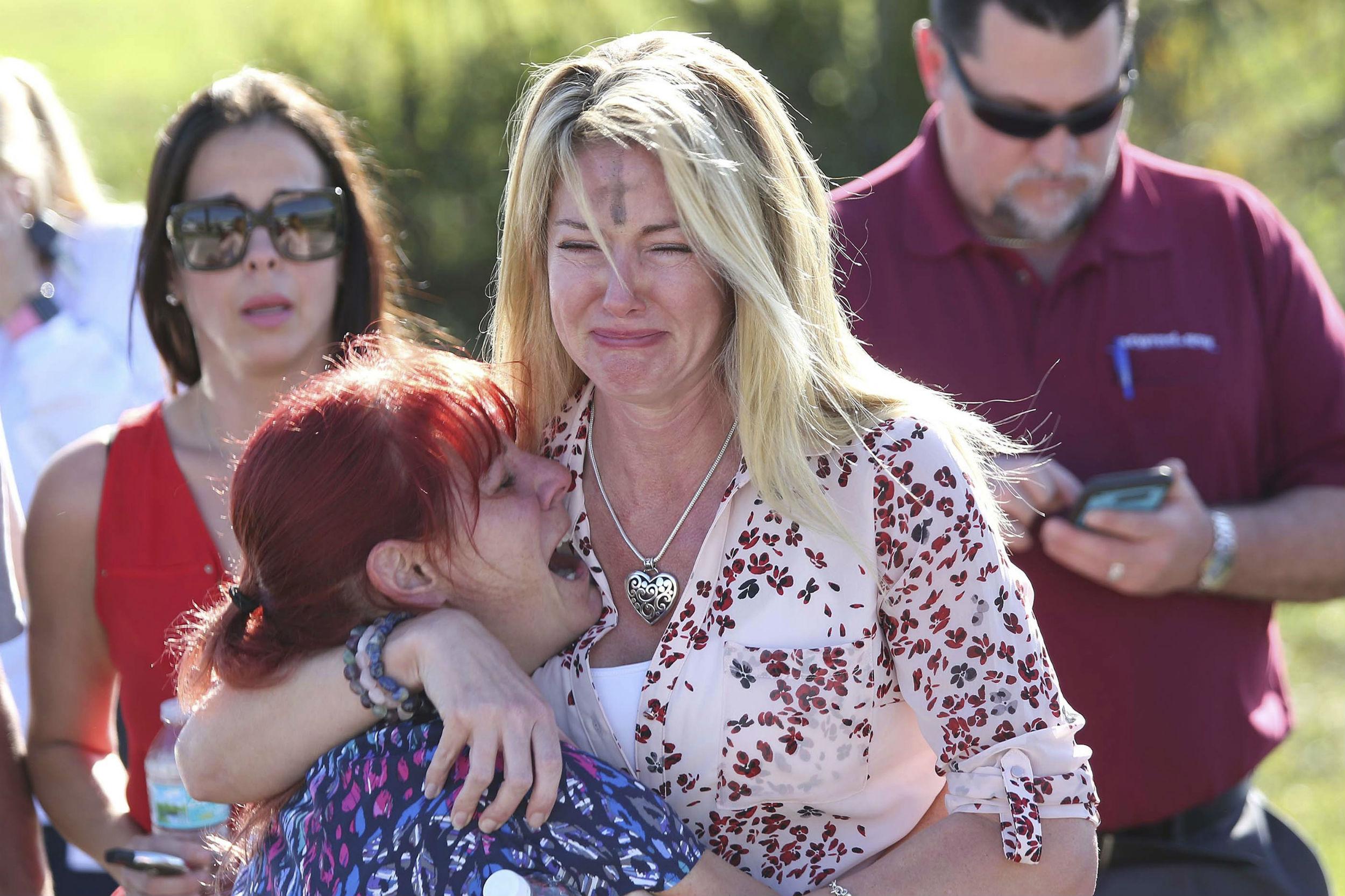 skoleskyderi, florida, gymnasium, high school, gerningsmand, døde, sårede, dræbte, elever, usa, news, nyheder
