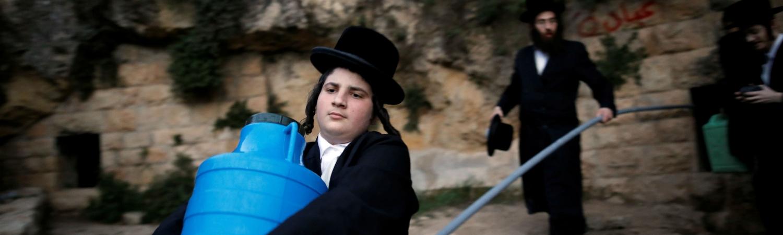 jøde, ortodoks jøde, vand, sabbat, kosher, regler, religion, jødedom, væske, helligdag, hviledag, arbejde, lys, bilkørsel, regler, vandværker, reparation,