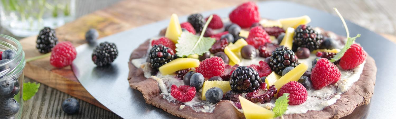 dessert, dessertpizza, opskrift, mad, grill, frugt, bær, kakao, chokolade, weber, weber grill academy, sommer