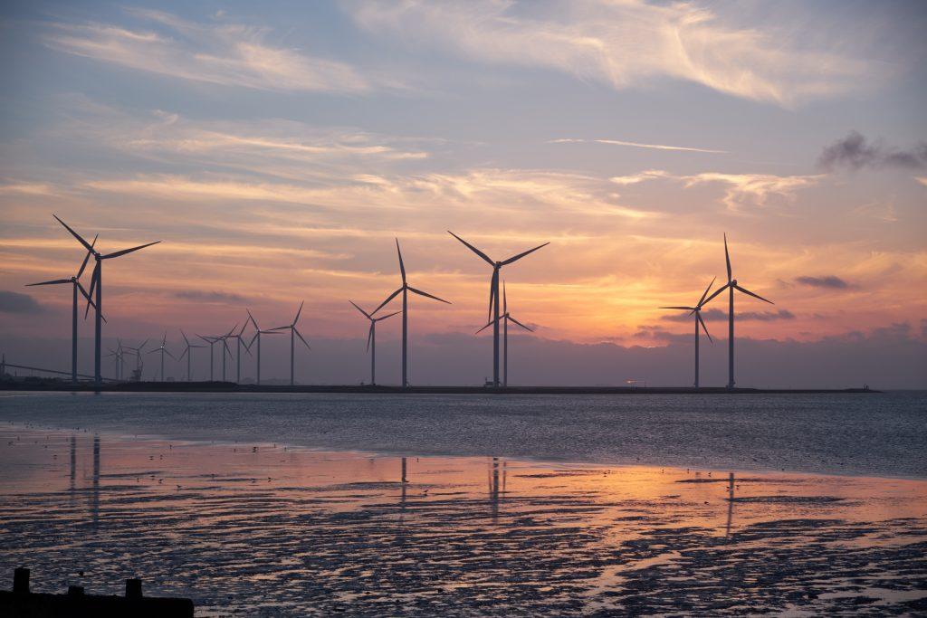 havvindmøller, vindmøller, wind mill, energi, grøn energi, green energy
