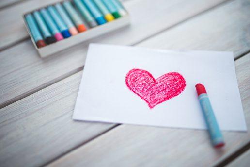 Kærlighed - hjerte - farveblyant - tegning