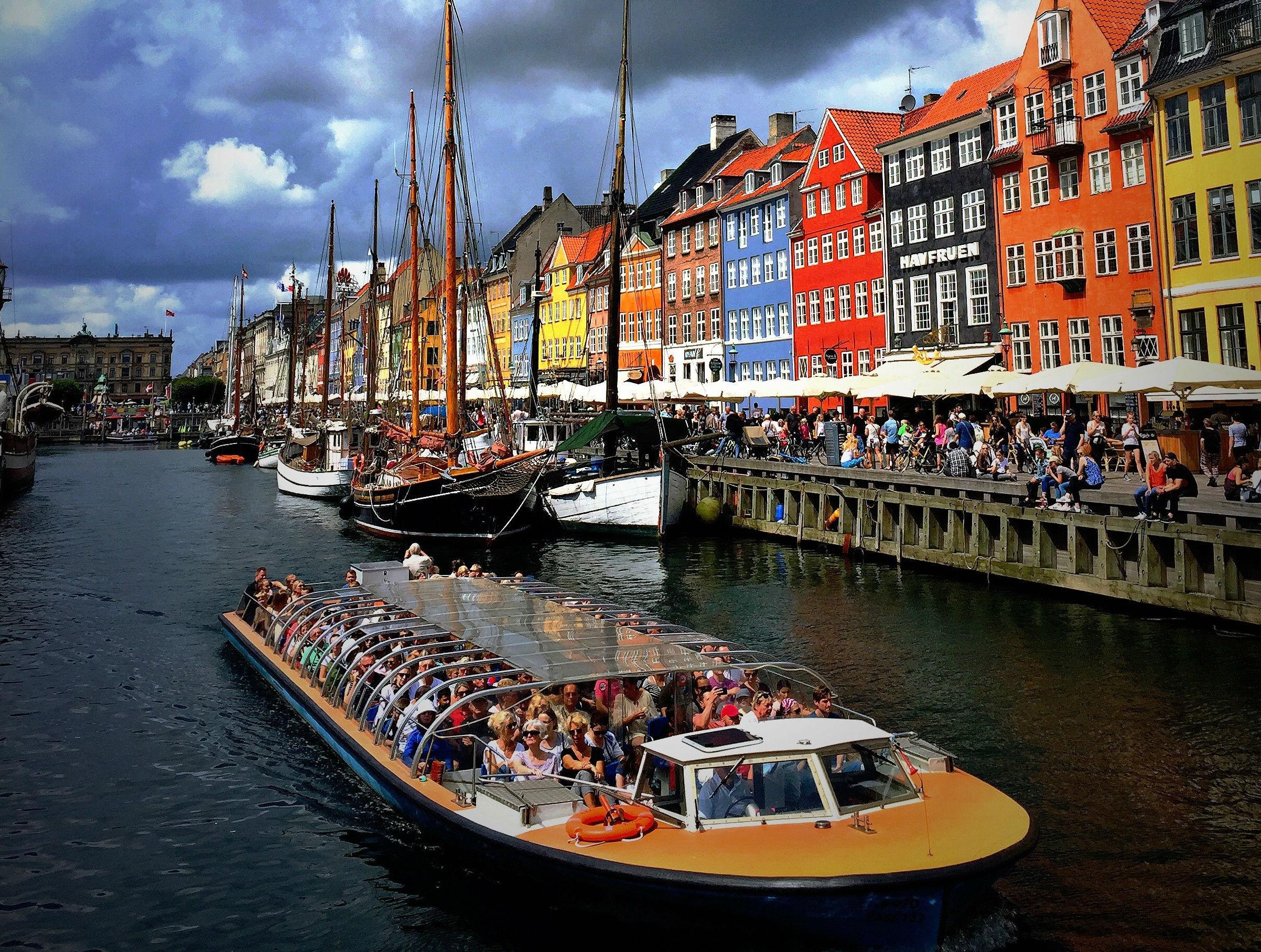 wonderful copenhagen, turisme, overturisme, barcelona, venedig, københavn, amsterdam, danmark, turisme, airbnb, fly, rejser, lokalbefolkning, problemer, kø, pres, husleje,